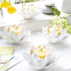 """Teelichthalter """"Porzellan Blüte"""" von Gingar. Zu kaufen für 6,95 € bei Gingar."""