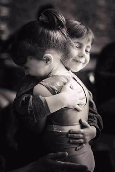 Pure happiness by Marta Fernandez on Cute Baby Couple, Cute Baby Girl, Baby Love, Cute Couples, Cute Babies, Precious Children, Beautiful Children, Beautiful Babies, Love Kiss Pic