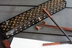 louis vuitton chopsticks I post this on my AMUSING STUFF board bc all i can think is REALLY?! do people really waste their money on stuff like this?? How materialistic and pertinacious can one be? LOL