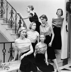 Striking photo of models showing off a variety of chic necklines. The colorization was not original, though I've seen conflicting credits,… Vintage Couture, Vintage Glam, Looks Vintage, Vintage Girls, Vintage Beauty, Vintage Outfits, Vintage Shoes, 1950s Fashion, Vintage Fashion