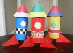Cardboard Tube Rocket Set - My Kid Craft Cardboard Rocket, Cardboard Tube Crafts, Cardboard Playhouse, Rocket Craft, Toy Rocket, Diy For Kids, Crafts For Kids, Diy Crafts, Recycled Crafts