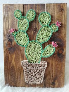 Take a look at these 12 very inspiring String Art models - Decoration - Tips and Crafts Nail String Art, String Crafts, Cactus Craft, Cactus Cactus, Indoor Cactus, Cacti, String Art Patterns, Creation Deco, Paper Embroidery
