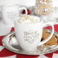 Gingerbread White Hot Chocolate - Decor Fix Merry Christmas To All, Cozy Christmas, Christmas Lights, Christmas Ideas, Christmas Crafts, Christmas Decorations, Lindsay Letters, Christmas Service, Hot Chocolate Bars