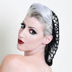 Une éblouissante addition à notre ligne daccessoires cheveux pin-up. Ces superbes résilles sont un must pour toute garde-robe de listes dadresses