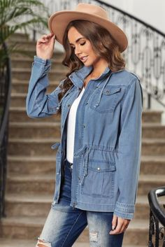 All Smiles Chambray Vibes Jacket, Free Shipping! #style #look #love #clothing #streetfashion #fashionweek #currentlywearing #like4like #happy #weekends Spring Outfits, Winter Outfits, Casual Date Nights, Jeans And Wedges, All Smiles, Night Looks, Sophisticated Style, Up Styles, Blue Blouse
