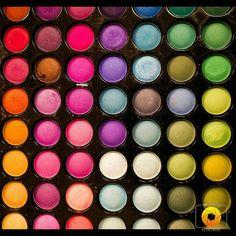 """I love colors! #sfeliciannedetails #makeupschool #makeup #colors #rainbow #instafollow #instagood #instamoment #followme #like4like #canoneosm #canonm…"""