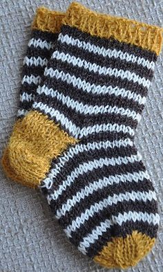 knitted baby socks |  Ravelry  :::  be still my heart!!!  SO darling!