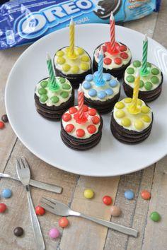 Ellouisa: Traktatie: oreotaartjes - kids in de keuken Edible Crafts, I Party, Clean Recipes, Mini Cupcakes, Amazing Cakes, Kids Meals, Sweet Treats, Desserts, Food