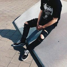 Men that are dominating the Grunge Scene - Goteo Grunge Outfits, Boy Outfits, Casual Outfits, Cute Outfits, Grunge Clothes, Boy Fashion, Korean Fashion, Mens Fashion, Fashion Outfits