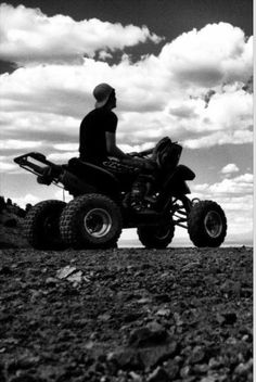 Racing 4 wheeler photos