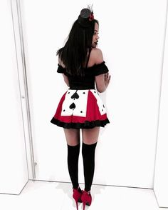 Someones head is going to Roll for this! Halloween Costumes For 3, Halloween Inspo, Halloween Cosplay, Adult Costumes, Halloween Party, Party Costumes, Disney Costumes, Adult Halloween, Fancy Dress