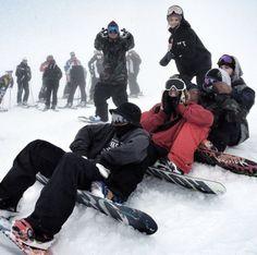 We Who Snowboard – Sport Ideas Photos Bff, Friend Pictures, Winter Fun, Winter Snow, Mode Au Ski, Snowboard Girl, Ski Season, Winter Photos, Best Friend Goals