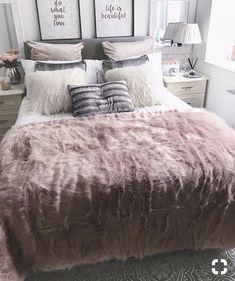 45 Cozy Teen Girl Bedroom Design Trends for 2019 - Page 38 of 45 Cozy bedroom; Stylish Bedroom, Cozy Bedroom, Bedroom Decor, Bedroom Inspo, Magical Bedroom, Bedroom Retreat, Bedroom Plants, Bedroom Loft, Bedroom Colors