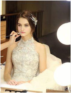 처음부터 변함없이 사랑스런 어린신부의 결혼식,로이 바이 아일랜드 1 Princess Wedding Dresses, Wedding Dress Styles, Bridal Dresses, Wedding Gowns, Prom Dresses, Vintage Dresses, Nice Dresses, Dress Outfits, Fashion Dresses