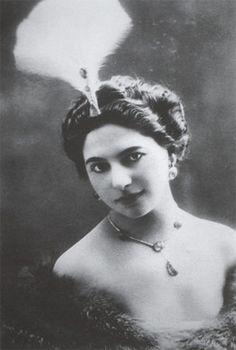 a biography of mata hari savannah