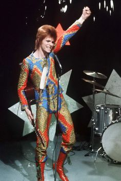 The David Bowie Looks That Changed The Fashion World Forever | Marie Claire