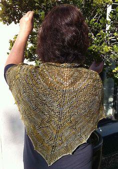 Hazeline shawlette  with shalimar 'breathless'