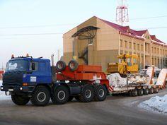 """Седельный тягач Tatra T815-231N9 с полуприцепом-тяжеловозом, бульдозер на базе трактора Т-170*. Вологодская область, Тотемский район, пос. Юбилейный, проходная ЛПУМГ """"Юбилейный"""" (газопровод Ухта - Торжок) Heavy Duty Trucks, Big Rig Trucks, Heavy Truck, Old Trucks, Lifted Trucks, Engin, Custom Trucks, Heavy Equipment, Motor Car"""