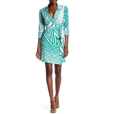 Laundry By Shelli Segal Bestseller Printed Wrap Dress ($50) ❤ liked on Polyvore featuring dresses, pepper green, white collar dress, collar dress, surplice dresses, green white dress and green dress
