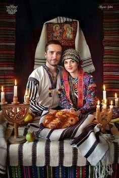 Folk Embroidery, Learn Embroidery, Folk Fashion, Arte Popular, Russian Fashion, Folk Costume, Costumes, World Cultures, Traditional Dresses