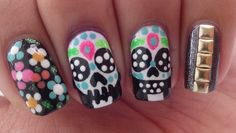 Diseño De Uñas - Dia De Muertos / Halloween Mexican Nails, Kawaii Nails, Nail Art, Manicure At Home, Mani Pedi, Love Nails, Halloween Nails, Basic Colors, Game Design