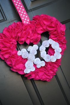 valentines day wreath #helzbergdiamonds #crazypinlove