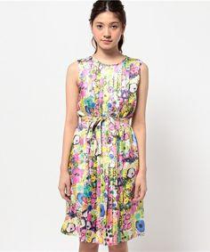 df41460244bca  セール リバティーフラワープリントドレス(ワンピース)|TO BE CHIC(トゥー ビー シック)のファッション通販 - ZOZOTOWN