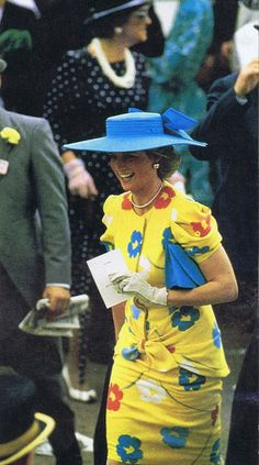 1987 Princess Diana~~~She could just about carry anything off. Even a table cloth pattern!