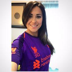 Hot Football Fans, Football Girls, Liverpool Girls, Liverpool Football Club, Beautiful Saree, Beautiful Women, Liverpool You'll Never Walk Alone, Premier League Champions, Sport Girl