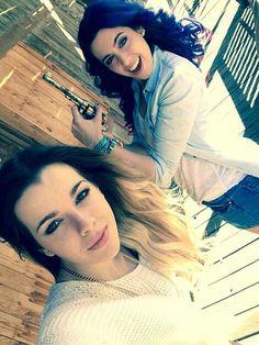 Rocío Cabrera & Sonia Gómez (Sweet California) se ve como se lo pasan y como posan Sonia Gomez, Sweet California, Famous Singers, Celebrities, Hair Styles, Beauty, Irene, Youtubers, Motivational