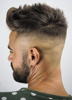 Timeless French Crop Haircut Variations in 2019 + Styling Guide Spiky Texture with Vanished NecklineSpiky Texture with Vanished Neckline Skin Fade With Beard, Beard Fade, High Fade Haircut, Crop Haircut, New Men Hairstyles, Haircuts For Men, Hair And Beard Styles, Short Hair Styles, High Skin Fade