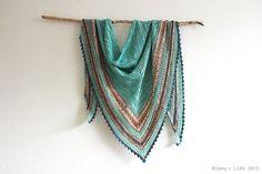 Seaglass Shawl | a crochet pattern by Eline Alcocer @ Emmy + LIEN.