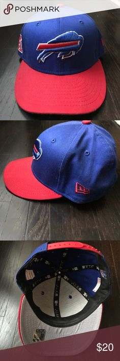 Buffalo Bills Flat Brim Hat Brand new Buffalo Bills New Era flat brim snap back hat. Smoke free home. New Era Accessories Hats