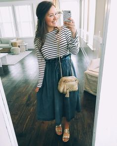 Top below to see the denim-skirt outfits style women are wearing this plunge. Cute Fashion, Modest Fashion, Fashion Outfits, Apostolic Fashion, Fashion Shoes, Sunday Outfits, Summer Outfits, Modest Winter Outfits, Skirt Outfits