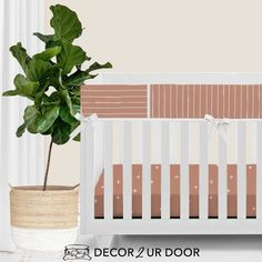 For our modern + minimal momma's out there. This Sienna modern bumperless nursery look is complete with hand drawn stripes + coordinating Swiss cross pattern. We love how this look is modern and simple - leaving all the room for the baby to shine. Available in (9) color ways. Woodland Baby Bedding, Modern Baby Bedding, Custom Baby Bedding, Baby Girl Crib Bedding, Baby Bedding Sets, Nursery Bedding, Nursery Decor, Crib Rail Cover, Baby Sheets