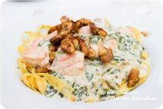 Lax i gorgonzolasås med pasta