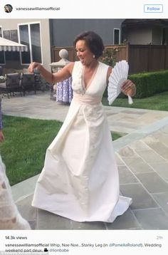 Wow in white like Vanessa in Pamella Roland #DailyMail