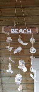 Drijfhouten Beach mobiel met schelpen - Avantius