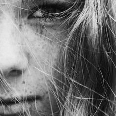 Freckles on dutch girl face photo by Lotte Meijer ( on Unsplash Diy Mosquito Repellent, Face Photo, Hair Images, Hair Care Tips, Girl Face, Hair Loss, Close Up, Beauty Hacks, Women's Beauty