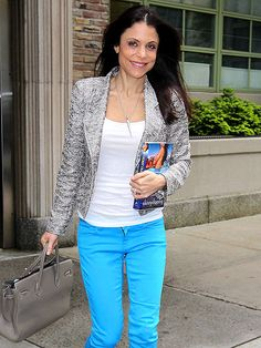 Simple, but chic; I could pull this off with a cream jacket and red jeans.