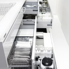 59 ideas for home storage closet cupboards Kitchen Organization Pantry, Home Organisation, Kitchen Storage, Storage Spaces, Wardrobe Storage, Closet Storage, Kitchen Cupboard Doors, Minimal Home, Kitchen Dinning
