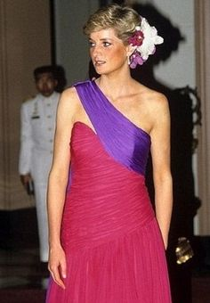 princess diana style   diana dresses front Princess Dianas Well Traveled Dresses Face Auction ...