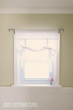 Alternative to regular curtains. I think I could make these using this tutorial. I'm gonna try:)