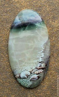 60 Best Stone Art Ideas Perfect For Beginners Pebble Painting, Tole Painting, Pebble Art, Stone Crafts, Rock Crafts, Rock And Pebbles, Rock Painting Designs, Pet Rocks, Rock Design