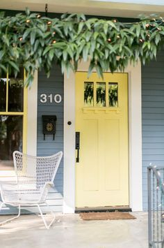20 Colorful Front Door Hues for Maximum Curb Appeal - Style Me Pretty Living Bright Front Doors, Yellow Front Doors, Front Door Paint Colors, Painted Front Doors, House Front Door, Up House, Front Porch, Porch Entry, Exterior House Colors