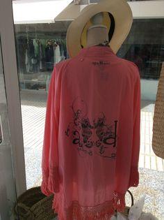 Kimono con flecos en 3colores!Maraca de ropa y complementos. Todo para un pensado  para este verano. ma@agua-dulce.es