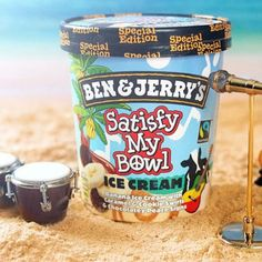 Creative ice cream-preneurs Ben and Jerry's launch Bob Marley-inspired ice cream flavor to commemorate the anniversary of his 'Legends' album. Stoner Food, Bob Marley, Ben Et Jerrys, Stoner Munchies, Ice Cream Flavors List, Yummy Treats, Yummy Food, Delicious Recipes, Sweet Treats