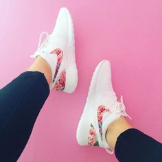 uk availability 02ca2 e1ee9 Floral Roshe Run Custom Pink Blue Roses - -  Genel