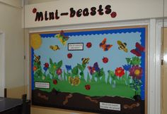 A super Minibeasts classroom display photo contribution. Great ideas for your classroom! Word Wall Displays, Classroom Displays, Photo Displays, Preschool Displays, Forest School Activities, Primary Activities, Infant Activities, Nursery Display Boards, Minibeasts Eyfs
