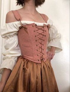 Peasant Bodice Renaissance Corset in Rose Gold Swiss Dot with Renaissance Corset, Renaissance Dresses, Renaissance Fair Costume, Medieval Dress, Trend Fashion, Fashion Outfits, Fashion Design, Grunge Outfits, Mode Rococo